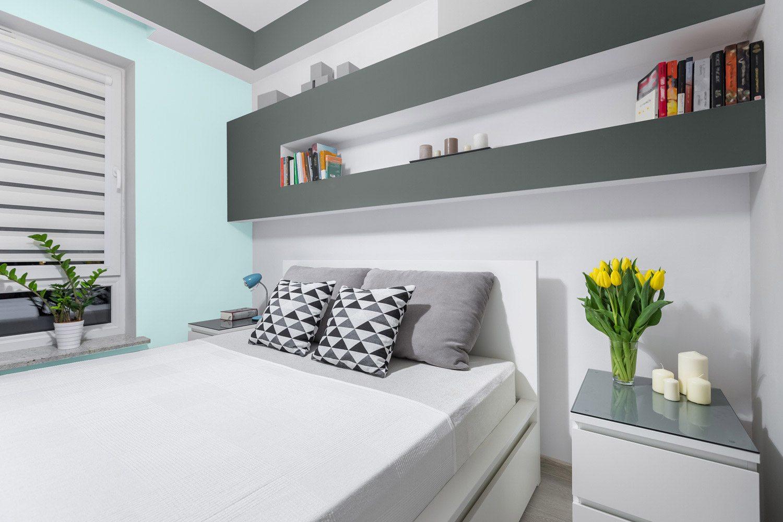 Sypialnia z półką