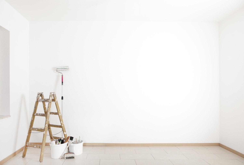 Malowanie mieszkania na biało