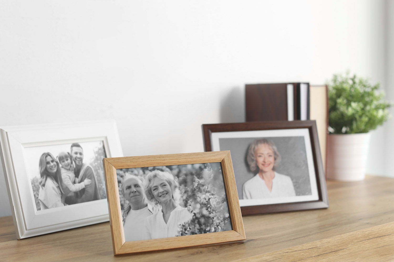 Jak odpowiednio wyróżnić galerię zdjęć na ścianie?