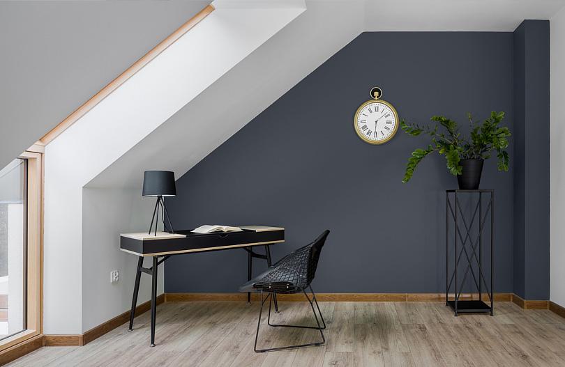 Aranżacja domowego biura na poddaszu - porady i inspiracje.jpg