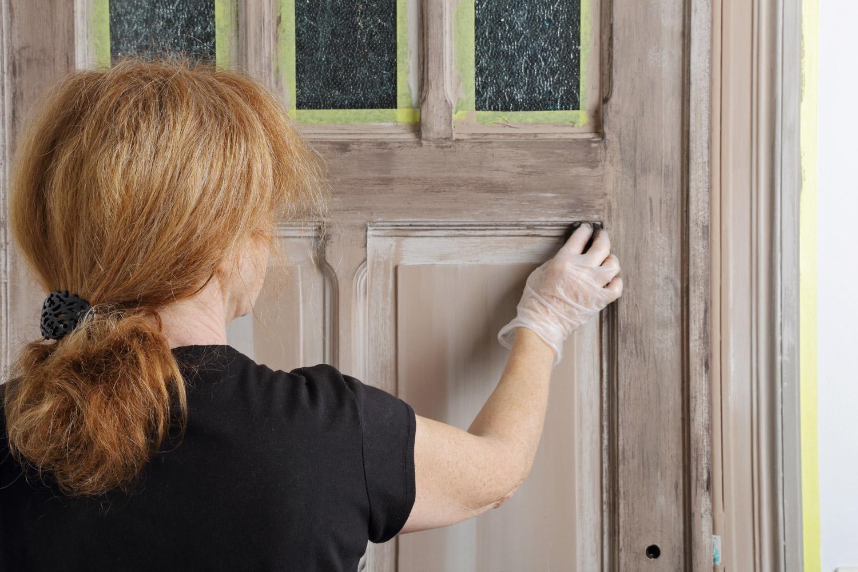 Malowanie drzwi drewnianych