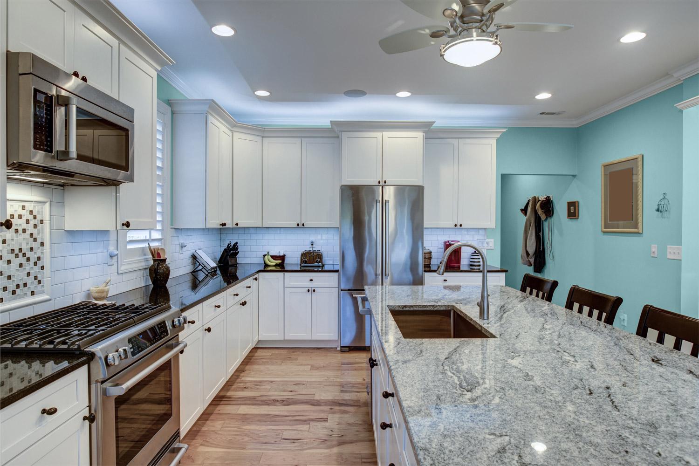 Dodatki i meble do niebieskiej kuchni - MAGNAT Ceramic Kitchen&Bathroom B17 morski akwamaryn