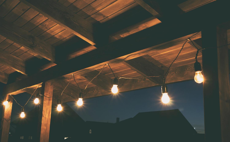 AdobeStock_3Zabezpieczamy drewniany balkon w stylu skandynawskim63488207.jpg