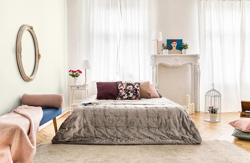 Jak urządzić romantyczną sypialnię min. 810x527 na str.jpg