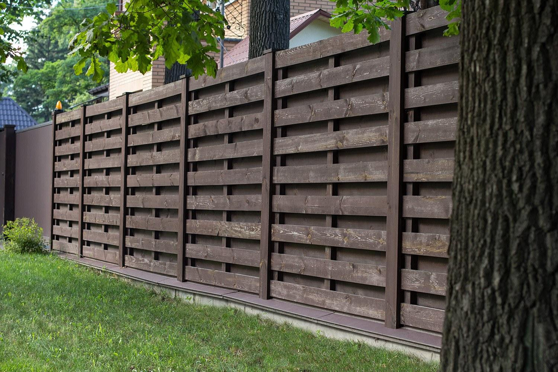 5Jaką-farbą-do-drewna-zaimpregnować-ogrodzenie.jpg