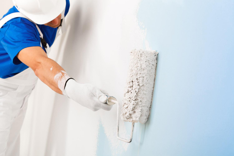 Jak przygotować się do malowania kolorowych ścian na biało